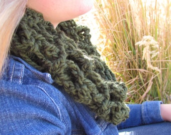 Sweet Mosaic Lace Cowl: Crochet Women's Scarf