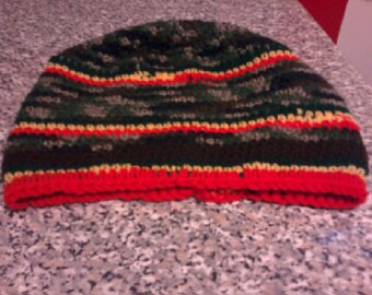 Rasta tam for shoulder length locks