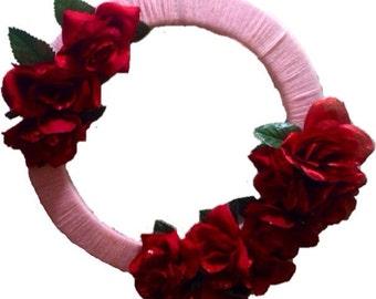 Red Rose Valentine's Day Wreath, pink Valentine yarn wreath
