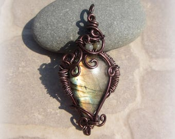 Brown labradorite pendant