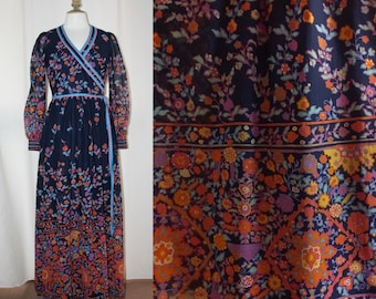 Vintage 1970's Maxi dress, long sleeves,floral pattern, cotton