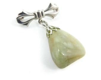 Vintage Green Stone Dangle Brooch, Bow, Semi Precious Stone, Lapidary, V69