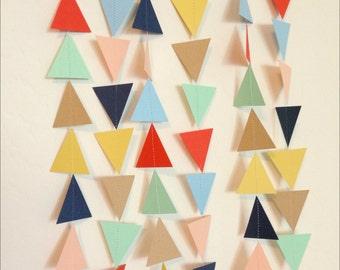 Menthe, beige, rouge-Orange, jaune, bleu marine, bleu, Blush pêche Triangle Garland. Guirlande géométrique. Papier toile de fond. Fête tribale. Shower de bébé.