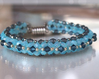 Tutorial Mosaic bracelet - triangle weave beading pattern for beginners with 2 free triangle weave lessons, blue bracelet
