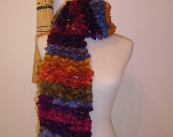 gorgeous hand knit ruffle scarf