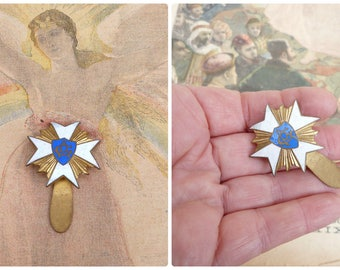 Vintage Antique French military enameled medal  pin