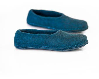 Dark petrol wool slippers for her, Natural wool felted slippers,  Hygge gift, Women flat slippers, Home shoes for women, Warm wool slippers