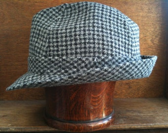 Vintage English Grey Black Houndstooth Hat Size 22 circa 1960-70's / English Shop