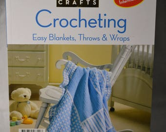 Crocheting - Easy Blanket, Trows & Wraps - Paperback