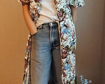 Rad 90s vintage dress   90s floral duster   1990s floral kimono   mid calf dress   medium women's dress   boho dress   medium women's dress