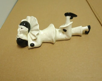 vintage ceramic clown/harlequin figuring statue,marked bonnie 1988,retro 80s knick knacks