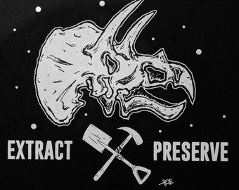 Extract & Preserve - Triceratops tee