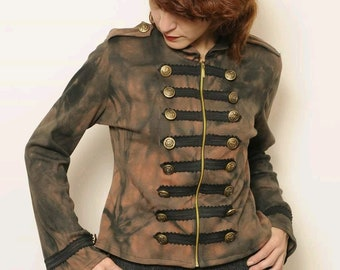 Comfy jacket in an old military line , a tribute to Michael Jackson