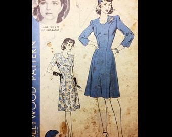 Vintage 40s Scalloped Neckline Princess Seam Day Dress Hollywood Hat Millinery Sewing Pattern 1261 Jane Wyatt B34