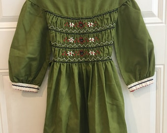 Vintage Polly Flinders Green Girls Embroidery Dress (Size 6)