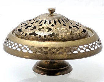 Ornate Footed Brass Incense Burner or Potpourri Dish w/ Filigree and Etched Lid Ref 19617
