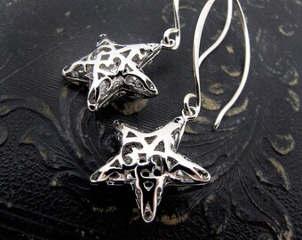 outdoor gift, gold star earrings, silver star, explorer gift, beauty gift, holiday earrings, filigree earrings, hostess gift, star jewelry