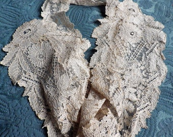 SUPERB Victorian Belgian Brussels Point De gaze Lace Lappet 1860's Duchess Bobbin Lace Museum Quality Bride Collect