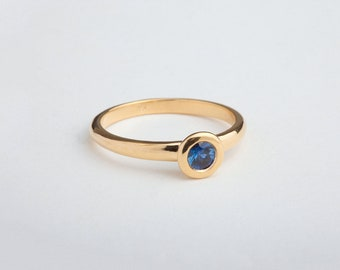Sapphire Bezel Engagement Ring, Blue Gemstone Solitaire Ring, Ceylon Sapphire Engagement Ring, Simple Solitaire Round Bezel