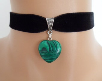 black velvet choker, malachite gemstone, green heart pendant, stretch ribbon
