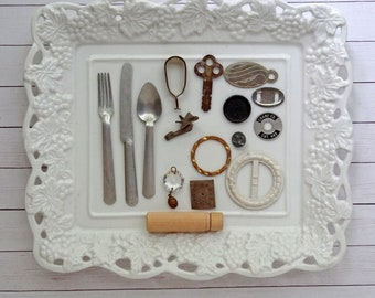 bITs KitS No041i -play fork knife spoon, belt buckle, key, curtain clip, wood needle case, metal tag, clock face, jet
