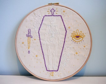 True Friends Stab You In The Front Embroidery, Wall Art, Hoop Art