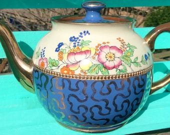 Pretty in Pink-Beautiful Old Sadler Teapot England