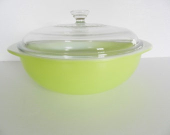 Lime Pyrex Casserole, Pyrex Lime Green Covered Dish, Lime Casserole, Lime Baking Dish