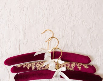 Velvet Wedding Hanger, Burgundy Wedding Dress Hanger with Lace, Bridal Hanger Gold, Hunter Green, Navy Blue, Pink, Bridal Dress Hanger