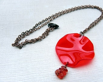 Simple necklace with original red pendant, made of recycled PET-bottle