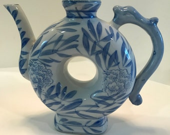 """Vintage Chinese Ceramic Blue and White """"Donut"""" Style Tea Pot"""