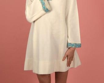 Vintage 60s white mini-dress