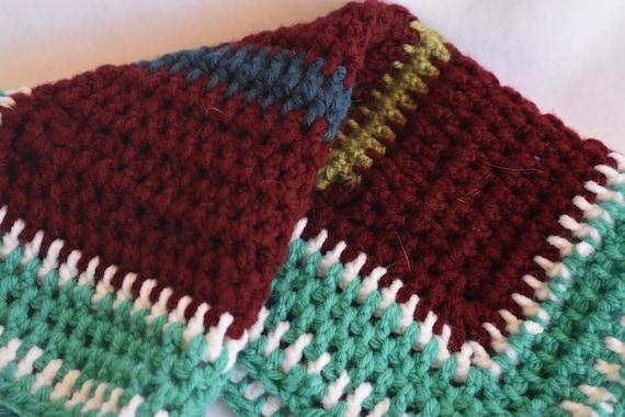 Burgundy & Teal Crochet Pet Carrier Liner