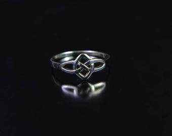 Sterling Silver Ring with a Celtic Knot