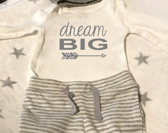 dream big with arrow New Baby Iron on decal do it yourself decal only, tshirt not included, Free Shipping to the USA