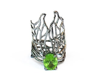 peridot LACY BUTTERFLY ring - silver