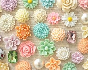 Soft Pastel Flower Thumb Tacks, Mixed Pastel Color Floral Push Pin Set, Pretty Bulletin Board Tack, Mixed Length Pushpin, Rose Thumbtacks