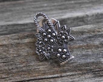 Vintage Silver Flower Basket Pin. 1970's.