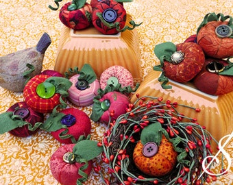 Big Dolores: A Pumpkin Pincushion Pattern