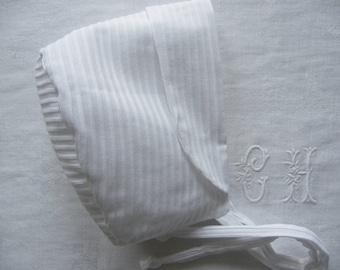 White cotton bonnet mini pleats, from 6 months to 18 months