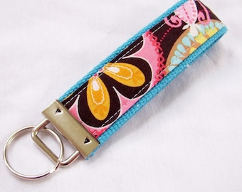 Wristlet Key Fob Key Chain in Carnival Bloom