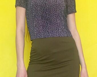 Vintage 90s Y2k 2000s Club Kid Gray Velvet Cheetah Print Short Sleeve Crop Top T-Shirt
