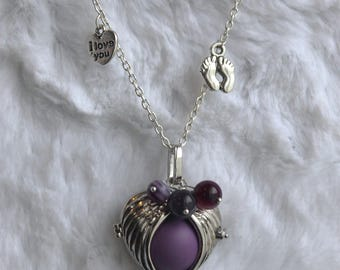 Bola of pregnancy Agates, heart I love you and little feet - MOM necklace - expectant mother.