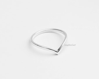 Chevron Ring | v Ring | 2mm Band Ring | Simple Ring