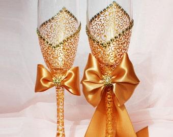 Royal Gold Wedding Glasses, Wedding Champagne Flutes, Bride And Groom, Personalized Toasting Flutes, Purple Wedding, Wedding gift