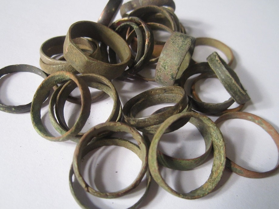zoom - Medieval Wedding Rings