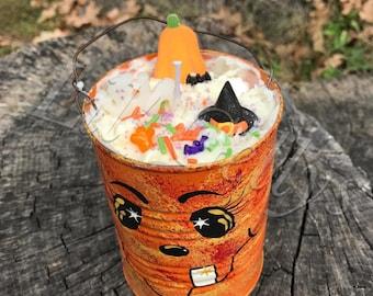 halloween art,halloween decor,halloween decoration,fall decoration,soy candle,halloween candle,candle,fall candle,16oz candle,pumpkin candle