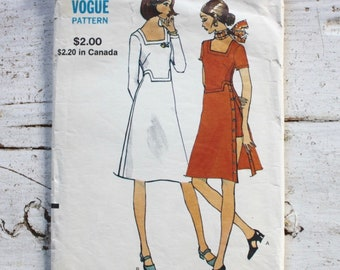 1970s sewing pattern / Vogue 8156 / 1970s dress & shorts / bust 31.5""