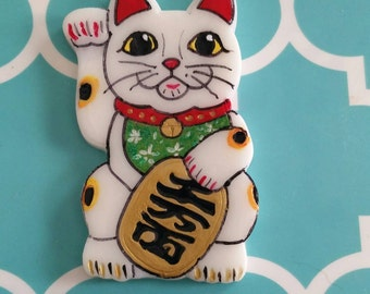 Maneki Neko Lucky Cat brooch