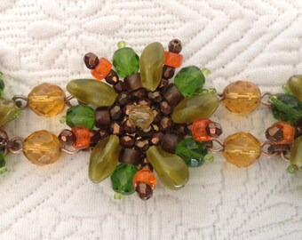 Bracelet vintage, 3 flowers in glass beads.